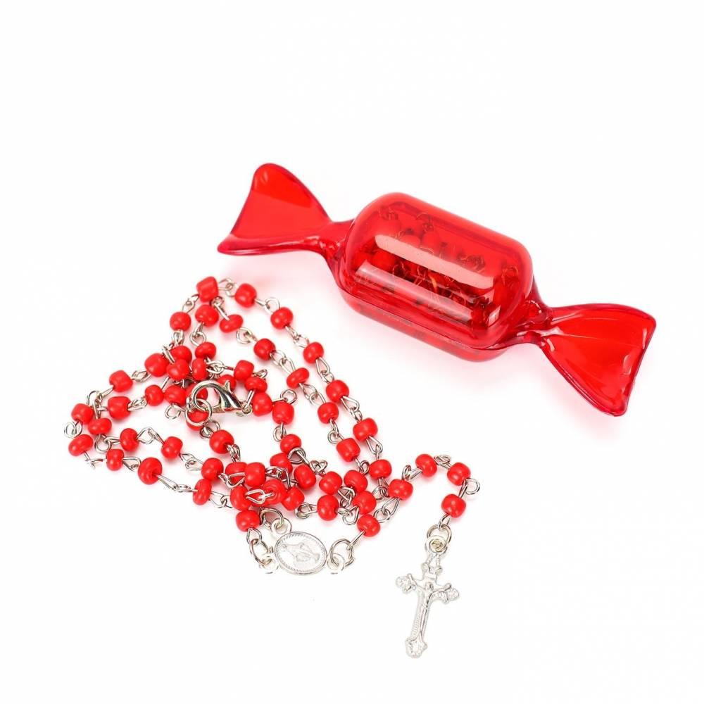 Rosario católico con caja de envoltorio de caramelo