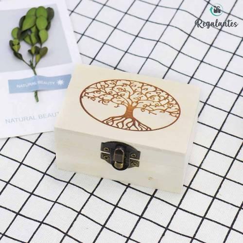 Caja de madera con diseño de árbol de la vida