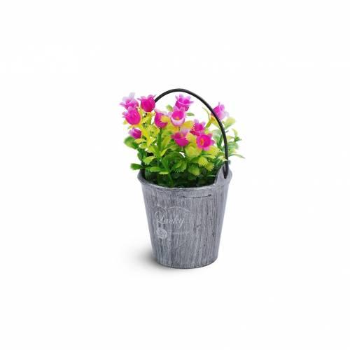 Maceta con flores para decoración